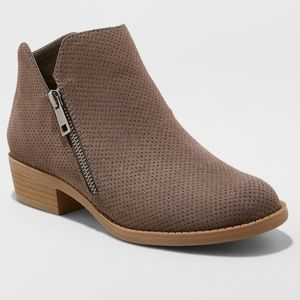 Women's Universal Thread Dylan Bootie